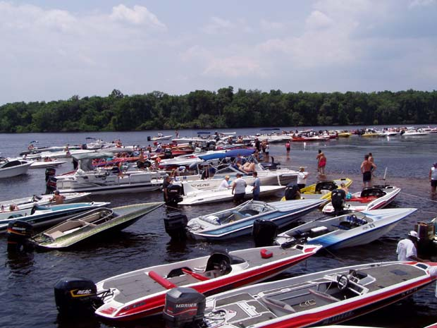List all boat ramps within a county