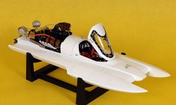 drag-boats-blank-white-02